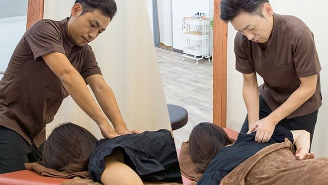 首だけでなく背中、肩も首の痛みの解消には有効